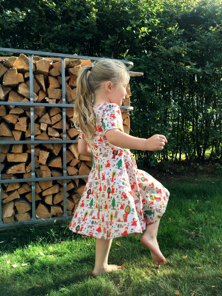 Jerseykjole med sving til barn 74 146